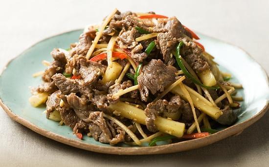 在韩外国人评选最好吃美食 烤牛肉、炖鸡受青睐