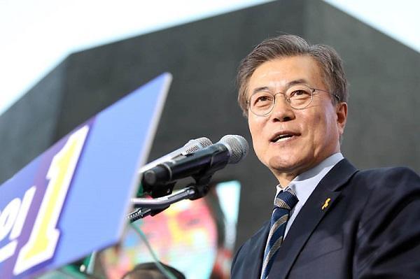 韩中关系改善国会施政演说 促文在寅支持率逼近70%