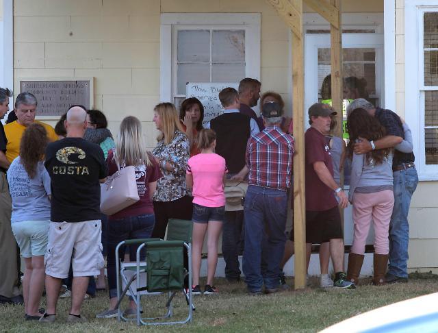 美国德州一教堂发生枪击事件 已造成27人身亡