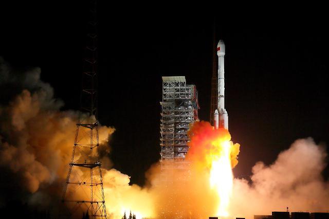 [영상중국] 신기술 적용  '베이더우 3호' GPS 위성 2기 우주로
