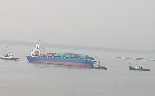 中国一货船在韩西部海域发生倾斜 无人员伤亡