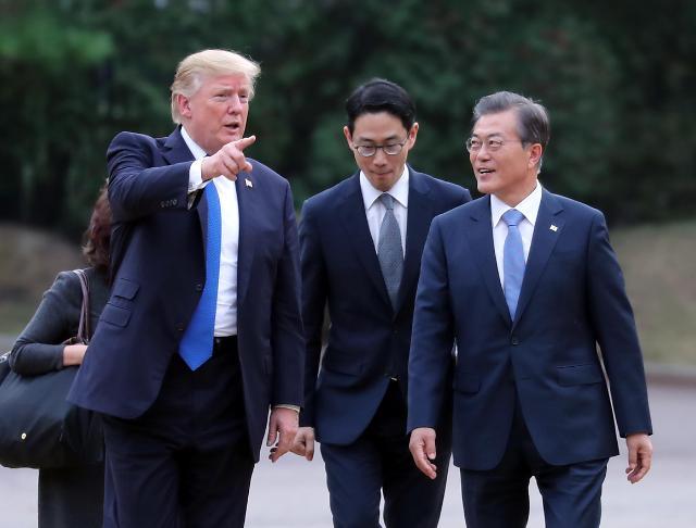 韩美总统决定继续韩美日合作抗朝挑衅