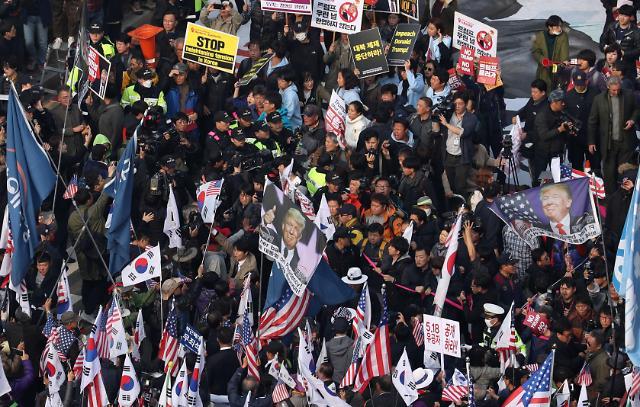 特朗普访韩 为何需要绕道回酒店?