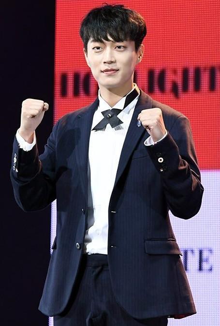 尹斗俊出演KBS新剧《广播罗曼史》