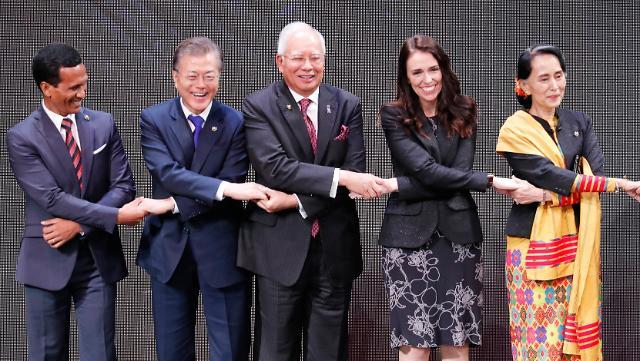 文在寅菲律宾会晤李克强 外媒刊文阐述韩国与东盟共同理念