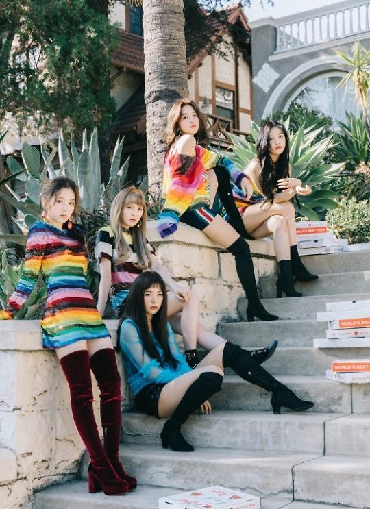 Red Velvet发布回归预告照 性感与清纯美兼具