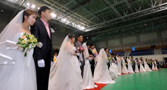 调查:韩涉外婚姻越南新娘占比首超中国