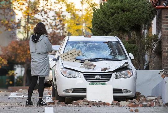 韩浦项地震伤者增至75人 逾1700人流离失所