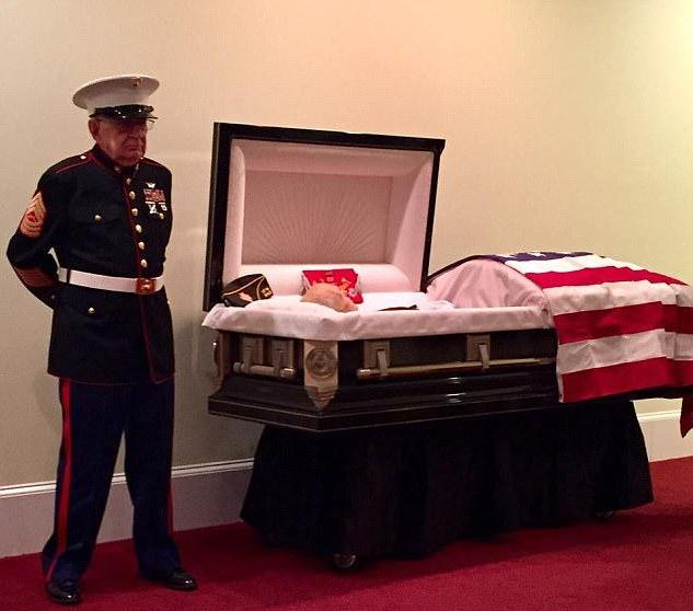 83-year-old Vietnam War veteran stands guard over fellow Marines casket in Dress Blues to keep the promise