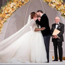 .Tennis court goddess Serena Williams weds Reddit co-founder Alexis Ohanian.