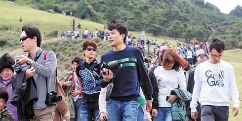 业界千呼万唤! 萨德后首个中国旅游团28日抵达济州