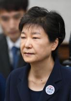 박근혜 전 대통령 재판,27일 재개 못할 수도..궐석재판 현실적 어려워
