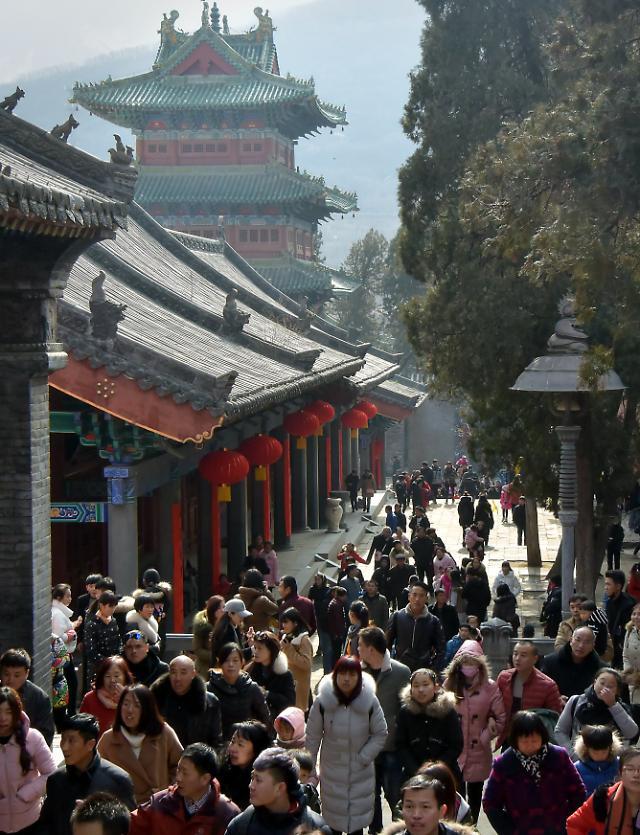 중국 종교 상업활동 금지...'돈 버는 종교, 신성한 이미지 훼손'