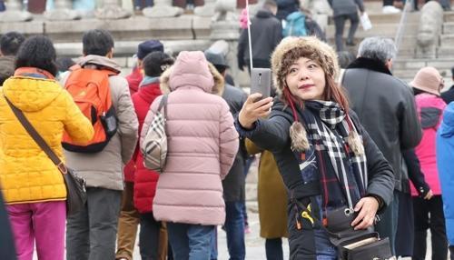 """中国游客锐减致韩""""歉收""""450亿"""