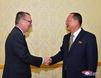 '방북' 펠트먼 유엔 사무차장, 리용호 면담