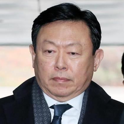 신동빈, 징역 10년에 4년 추가 구형