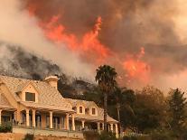 캘리포니아 산불 역대 최대 피해 낼 수도…970억 투입에도 불길 안잡혀