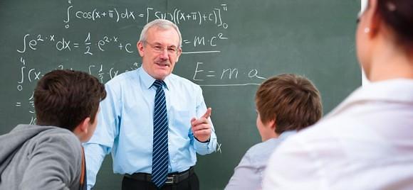 """韩国立大学近半数""""外国教授""""都是韩侨 外国学者为啥不愿来韩任教?"""