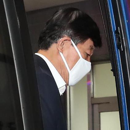 원세훈·이종명, '민간인 댓글부대' 혐의 부인