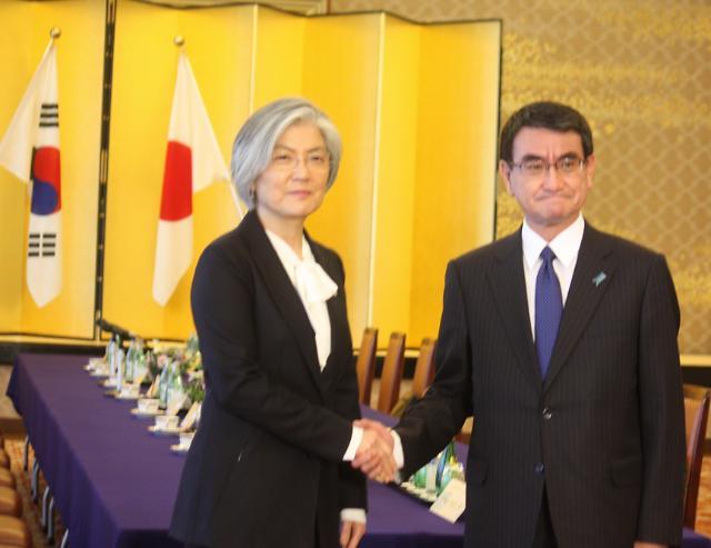 外长康京和会晤日本外相 慰安妇问题仍存分歧