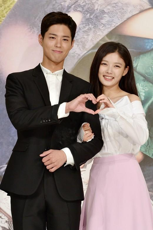 KBS演技大奖开幕在即 朴宝剑金裕贞担任颁奖嘉宾再聚首
