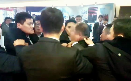 文在寅访华随行记者遭殴打 中国一涉事人员遭拘留
