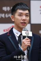 """[아주스타 영상] 집사부일체 이승기 아재 논란 """"아재 맞다, 걸그룹이 제일 좋았다"""""""