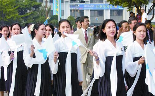 朝鲜美女拉拉队有望赴韩 或成平昌冬奥会一道美丽风景线