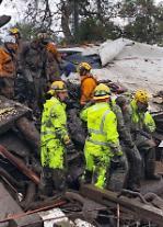 캘리포니아 산사태,아이들 포함 17명사망..17명실종..28명부상..가옥 100여채 완전히 부서져