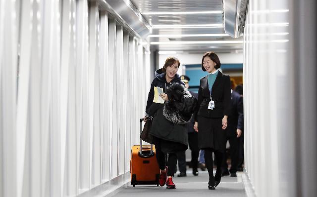 仁川国际机场第二航站楼迎来首位旅客