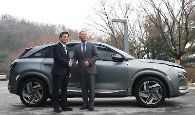 악수하는 김동연-정의선