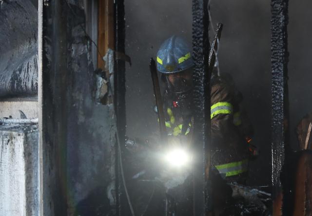 密阳火灾死亡人数增至39人 伤者151人