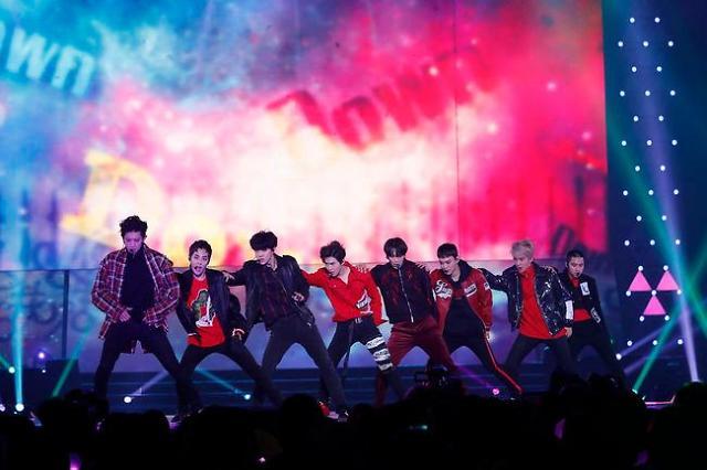 EXO日本正规专辑人气爆棚 销量居公信榜榜首