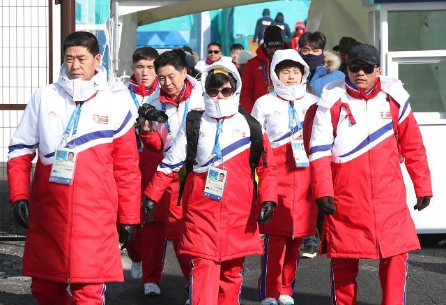 朝鲜高山滑雪选手进行训练