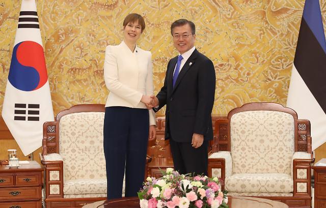 韩国与爱沙尼亚首脑会谈在首尔举行
