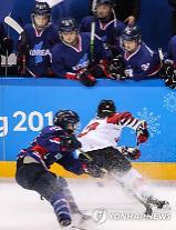 [평창동계올림픽] 여자 아이스하키 단일팀,골 맛 봤다…일본, 한 판 더 붙자