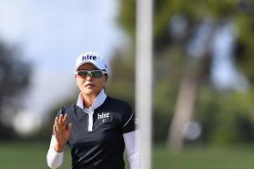 '슈퍼루키' 고진영, 67년 만에 LPGA 데뷔전 우승…신인왕 '찜'