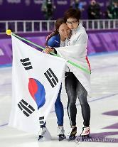 이상화는 울었고, 고다이라는 위로했다…올림픽 '경쟁의 정석'