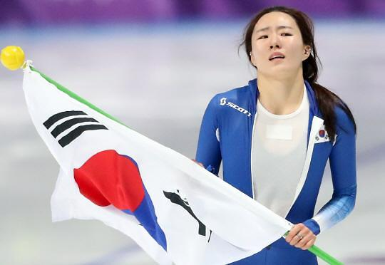 冬奥速滑女子500米 韩国李相花摘银