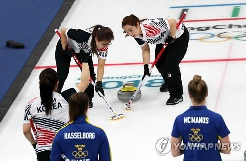 冬奥冰壶女子预赛 韩国战胜瑞典排名升至第一