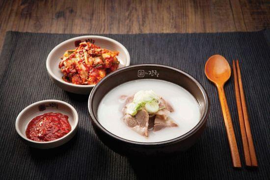 """韩餐厅菜单价格大涨 民众不再""""以食为天"""""""