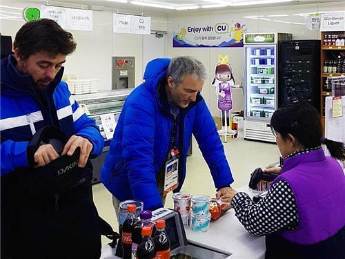 平昌冬奥赛区便利店酒类水果最受外国人青睐