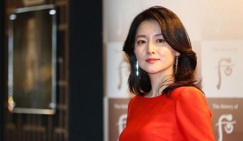 李英爱接拍《寻找我》时隔13年重返银幕