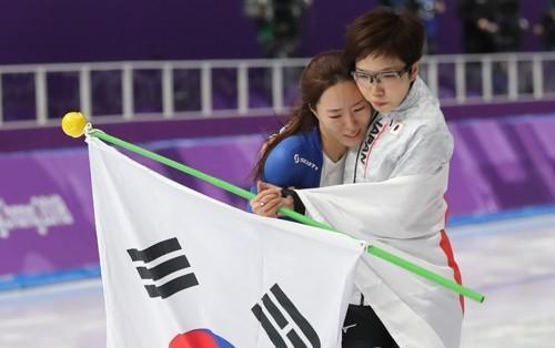 """""""你是我的对手,也是朋友"""" 平昌冬奥会上这几张照片感动了无数人"""