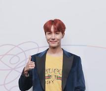 방탄소년단 제이홉, 3월 2일 데뷔 후 첫 믹스테이프 발표…RM-슈가 이어 팀내 세 번째 [공식]