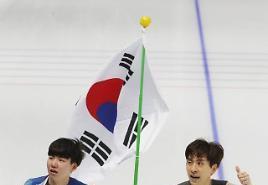 [평창]이것이 팀 플레이다! 이승훈 금메달 도운 정재원, 외신도 찬사