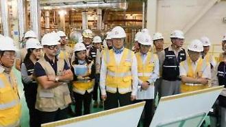백운규 산업부 장관 바라카 원전, 원전수출에 커다란 자산