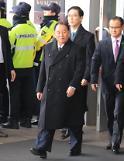 .韩统一部长与朝鲜高官团举行早餐会谈.