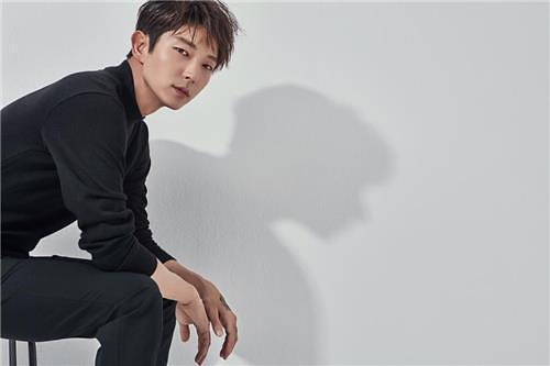李准基主演新剧《无法律师》5月开播