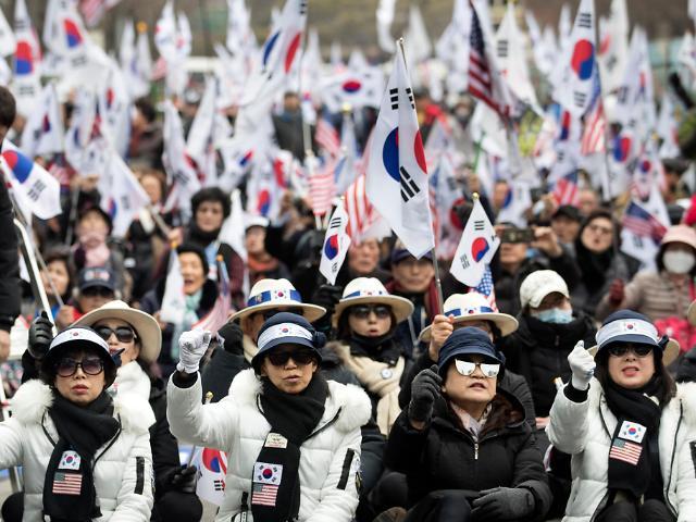 朴槿惠支持者举行集会 要求将其释放